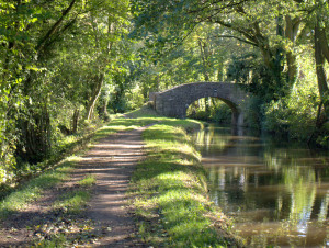 discover-mon-brec-canal-Abergavenny
